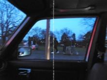 Auf dem Weg zu ihren illegal geparkten Fahrzeugen